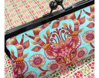Mini May Clutched Pattern