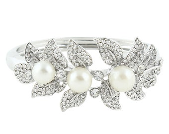 Bridal Bracelet Wedding Bracelet Silver Pearl White Wedding Bracelet Bridal Jewelry Wedding Jewelry Bridal Accessories Style
