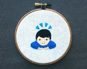 """Bow emoji embroidered 4"""" wall hanging"""
