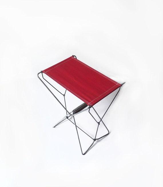 tabouret pliant en toile rouge tabouret de camping tabouret de. Black Bedroom Furniture Sets. Home Design Ideas