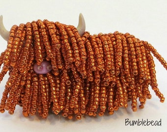 Heilan' Coo / Highland Cow Brooch Tutorial  - A Bead Embroidery Pattern
