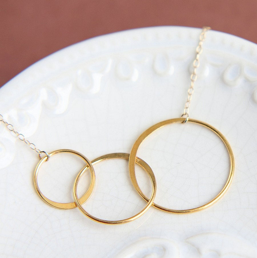3 circle necklace three circles necklace gold by jewelleryjkw