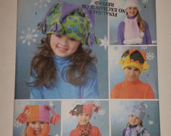 "Butterick Sewing Pattern B4306 Boys'/girls' fleece hats in size S (20.75""), M (21.5""), L (22.25"") and mittens in 6, 7, 8"