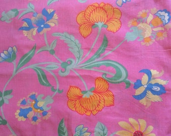 70s Swedish vintage fabric. Mod floral pattern. Good condition and bright colors.