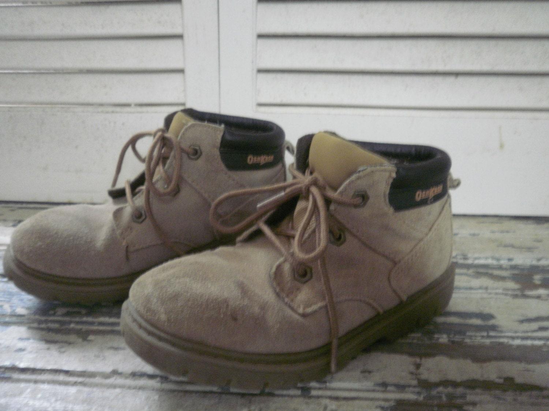 oshkosh suade boots non skid soles 11m buck skin boots