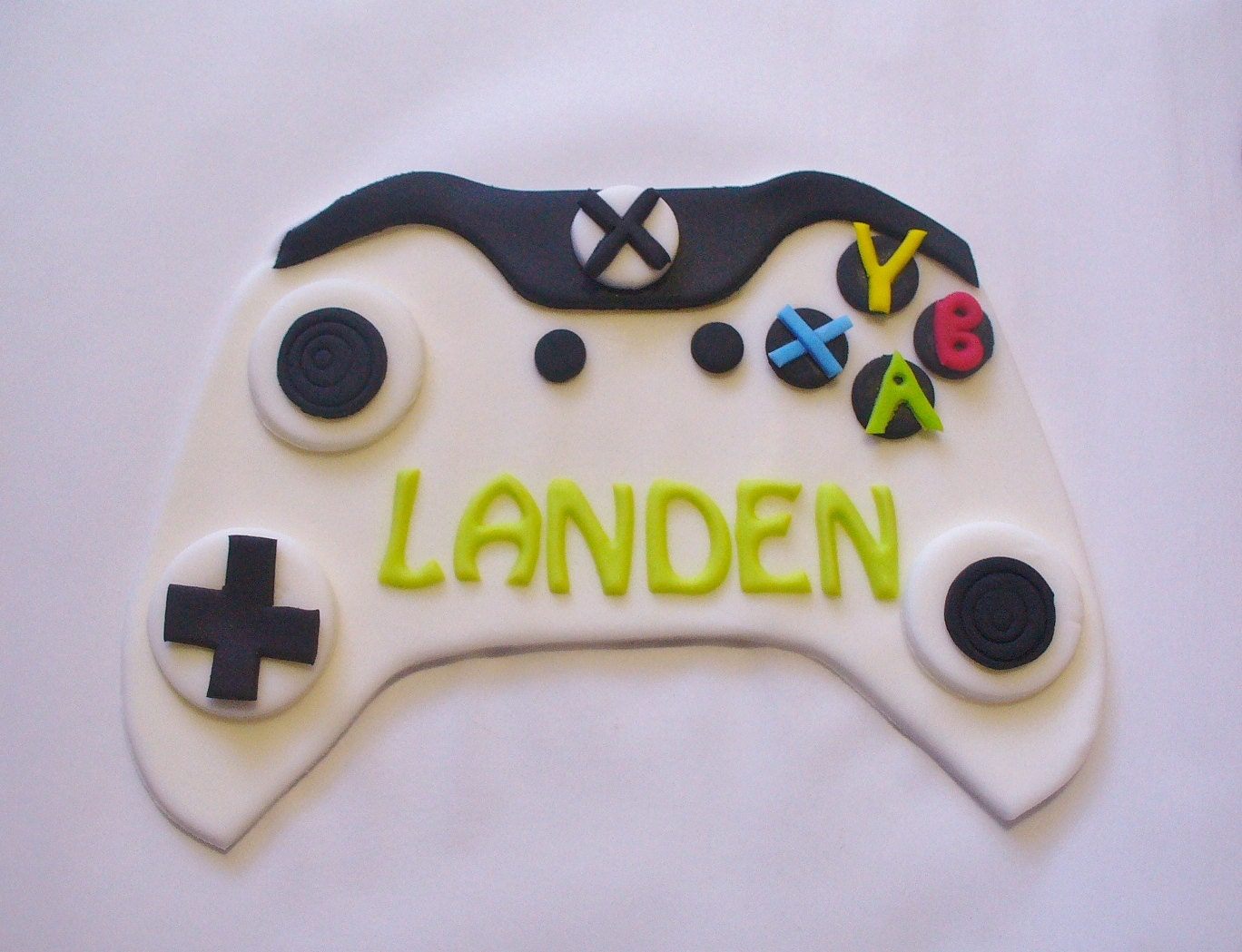 Xbox one controller white edible fondant personalized cake