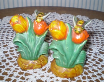 Pair of Vintage Tulip Salt and Pepper shakers with bees-  tulips with bees- ceramic S &P shakers with bees