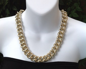 Champagne gold chain necklace.Chunky chain necklace. Champagne chain necklace. Gold chunky chain necklace.