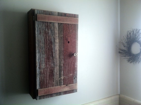 Rustic Medicine Cabinet built from reclaimed barn wood and pallet boards - Rustic Medicine Cabinet Built From Reclaimed Barn Wood And