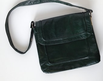 Forest Green leather purse, 70s fashion, compartment purse. Green handbag. Square purse, Boho Chic