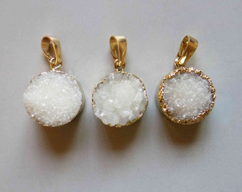 Round Druzy Pendant with Electroplating Gold Edge - B1027