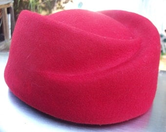 Retro Fifties Style High Fashion Hat