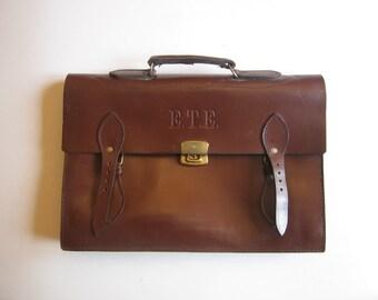 vintage brown leather E.T.E. bank bag