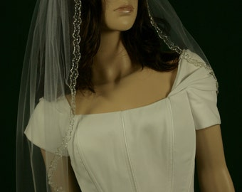 Wedding Veil Doreta - Lace Veil - Wedding Mantilla - Veil with Embroidery Crystals and Beads - Bridal Accessories
