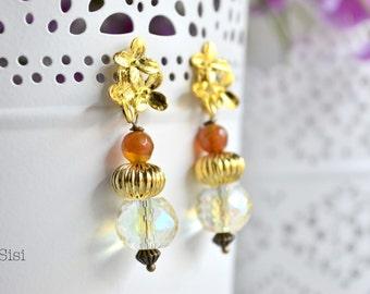 Earrings pearl cluster flowers transparent