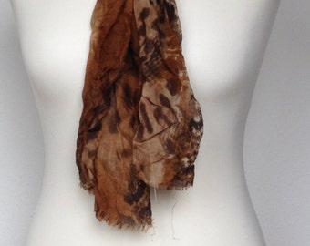 Scarf animal print Brown.