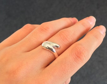 Sterling Silver Adjustable Ring.
