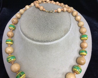 Vintage Graduated Wooden Beaded Necklace