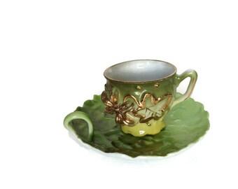 Vintage porcelain cup and saucer royal bayreuth green leaf plate