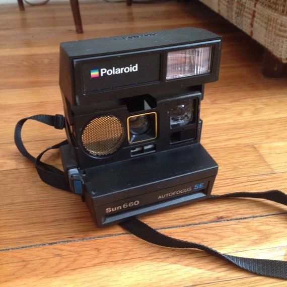 vintage polaroid sun 660 autofocus se 600 by closetconsignment. Black Bedroom Furniture Sets. Home Design Ideas