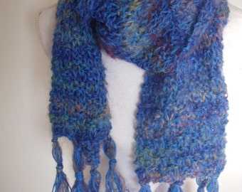 Blue variegated mohairsjaal with fringe (150 cm long, 9 cm wide)