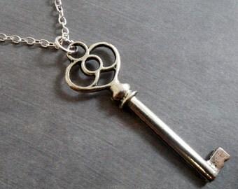Antique Key Neckace Antique Key Pendant Necklace