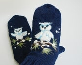 Hand knitted Blue Mittens with felted white owl, Christmas gift, Women winter accessories, felted owl