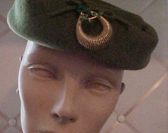 1940s Green Felt Hat with Gold & Green Stone Ornament Size Med#H11