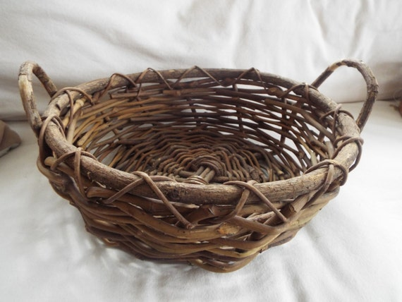 How To Weave A Basket Out Of Twigs : Rustic woven twig grapevine handle basket by onwinstonlane