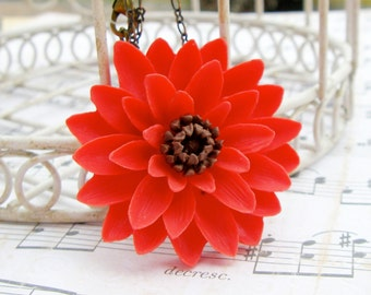 Dahlia Necklace in Red