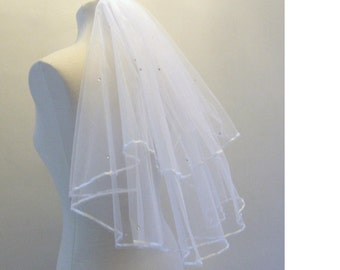 "Bridal Veil ,Wedding Veil, 2 tier Elbow Length 20"" 25""  ,Communion Veil,Hennight veil. 3mm satin Ribbon edge with detachable comb & Loops."