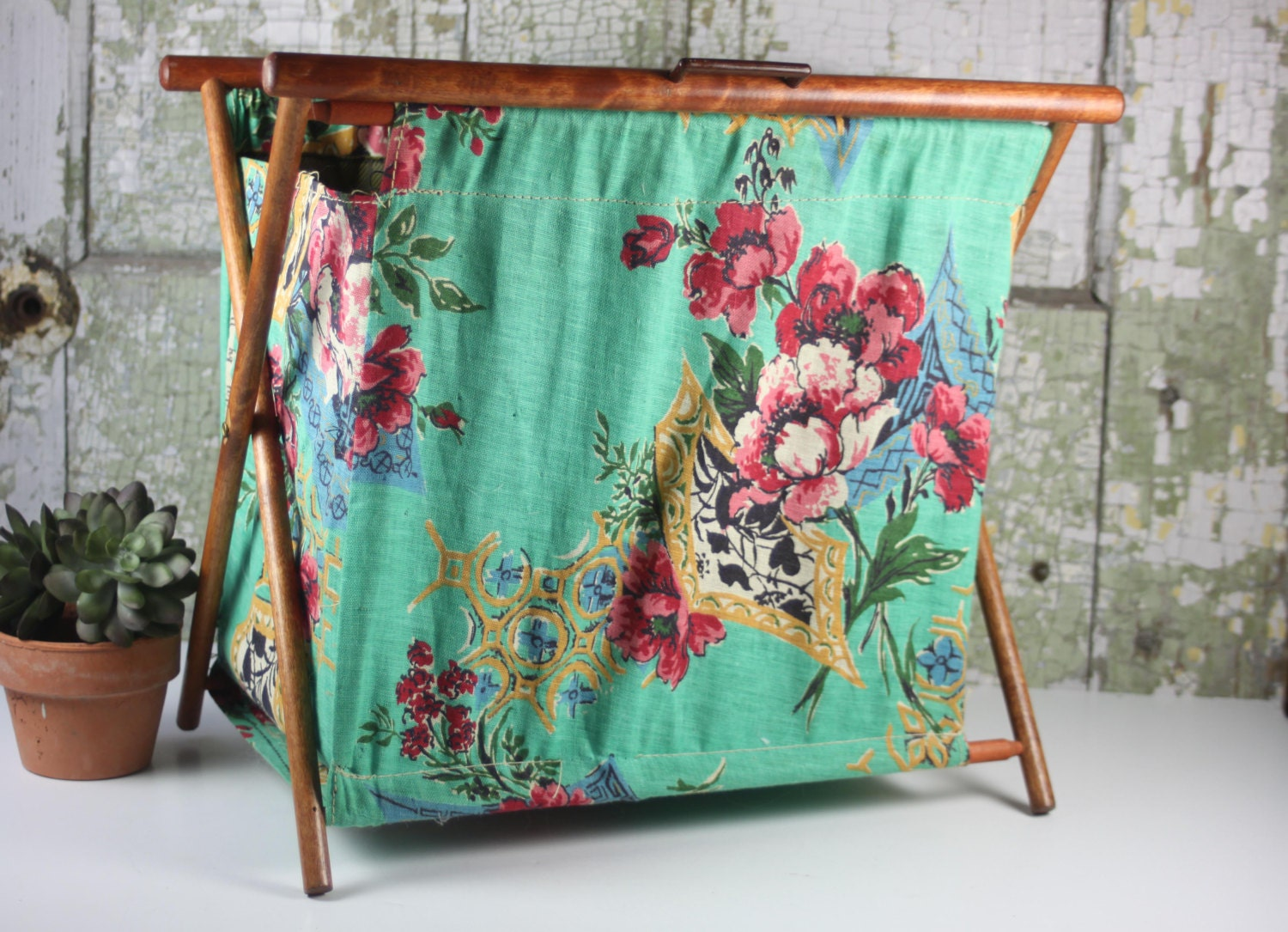Knitting Bag Stand : Vintage folding knitting bag stand up or sewing