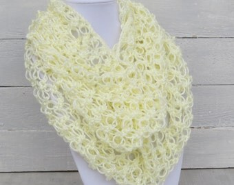 Cream Lacy Infinity Scarf / Lacy Scarf / Lacy Crochet Scarf / Infinity Scarf / Lover's Knot Scarf / Off White Infinity Scarf