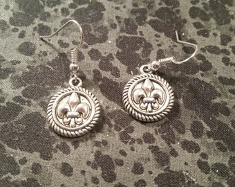 Circle Fleur De Lis Earrings - Silver Tone