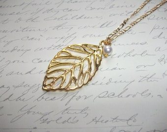 Gold chain necklace (long or short) with leaf and white pearl