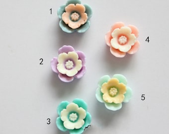 10pcs  Flowers - Mixed Colors of Beautiful Resin Bobby Pin flower Charm 14mm GLOSSY