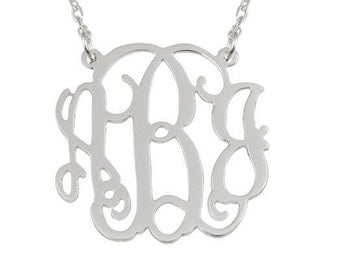 "1.5"" monogram necklace"