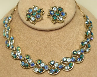 Pretty vintage retro glamour blue green aurora borealis crystal rhinestone necklace and earrings jewelry set