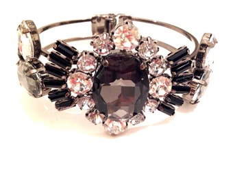 GOTHIC BEAUTY Bedazzled Bracelet