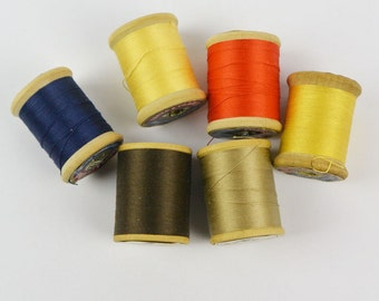 Vintage Wooden Thread Spools / COATS & CLARKS Mercerized Cotton Threads / Tiny Wood Thread Spools / Set of 6 Colorful Sewing Threads (11)