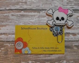 Girl Pirate Skull felt paperclip bookmark, felt bookmark, paperclip bookmark, feltie paperclip, christmas gift, teacher gift