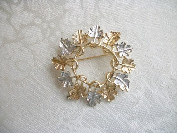 Vintage sarah coventry garland brooch pin retro designer for Vintage sarah coventry jewelry catalog