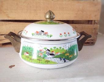 Vintage Newcor Saucepan|Farmhouse Cookingware|Vintage Enamelware Pot|Enamelware Casserole|Sauce Pot