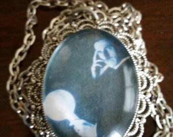 Double Sided Cameos - Nikola Tesla - Ties that Bind saying