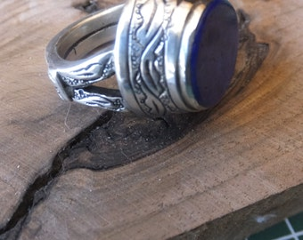 Lapis Lazuli and Sterling Silver Ring.....Size 8