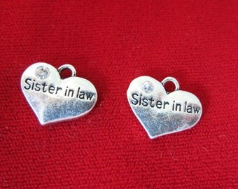 """5pc """"Sister in law"""" charms in antique silver style (BC640)"""