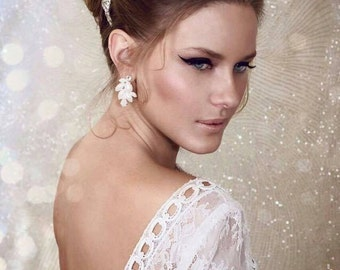 Wedding earrings with pearls and crystals in silver, Bridal jewelry