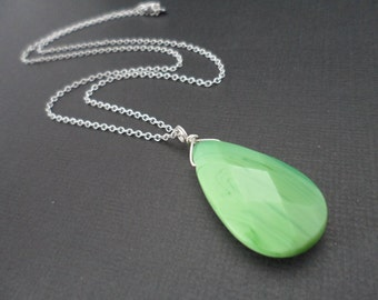 Lovely Apple Green Turquoise Necklace