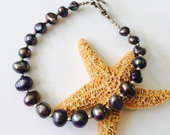 Grey Freswater Pearls Bracelet.