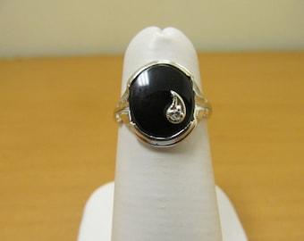 Vintage 10kt White Gold Onyx Diamond Ring Item W-#213